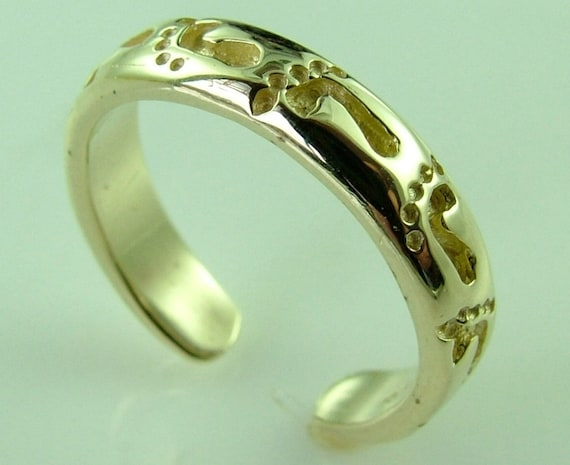 10k 14k gold footprints in the sand knuckle toe ring