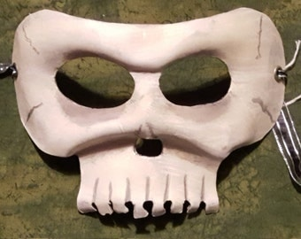 Leather skull mask, glow-in-the-dark
