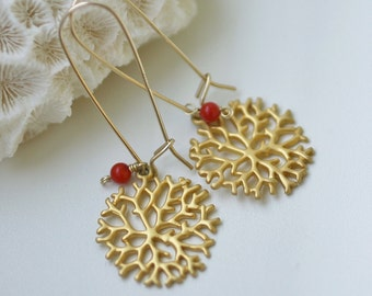 beach earrings, gold drop earrings, gold beach earrings, gold and coral earrings, coral bead earrings, gold earrings