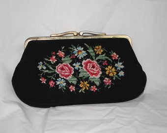 Vintage - mini bag with embroidered flowers