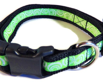Small Green/White Swirls Dog Collar