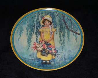 """1986 Knowles Childhood Holiday Memories """"Easter"""" Collector Plate by Jessie Willcox Smith"""