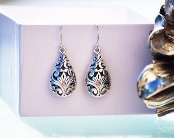 Rich Vintage Style Sterling Silver Openwork Dangle Earrings