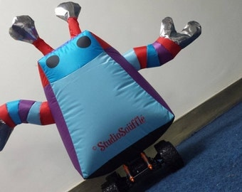 Remote inflatable robot
