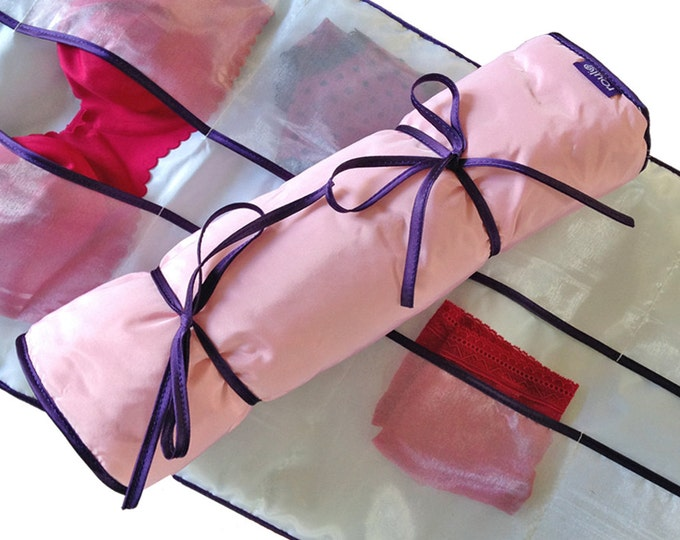Pocket for lingerie in taffeta and satin, travel pouch, clever storage, gift for her, lingerie bag, international shipment