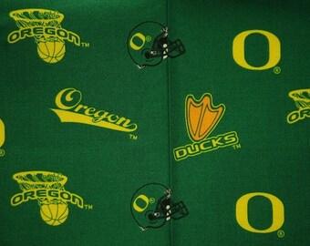 NCAA University of Oregon Ducks 100% Cotton V2 Fabric by the yard (IST1)