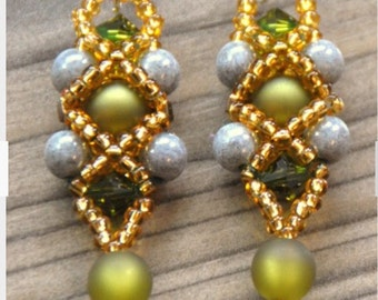 Pearl Earrings with Swarovski elements