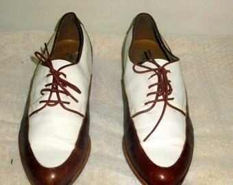 Vintage shoes.  Women shoes, sz 8 b vintage two tone brown and white leather oxford shoe