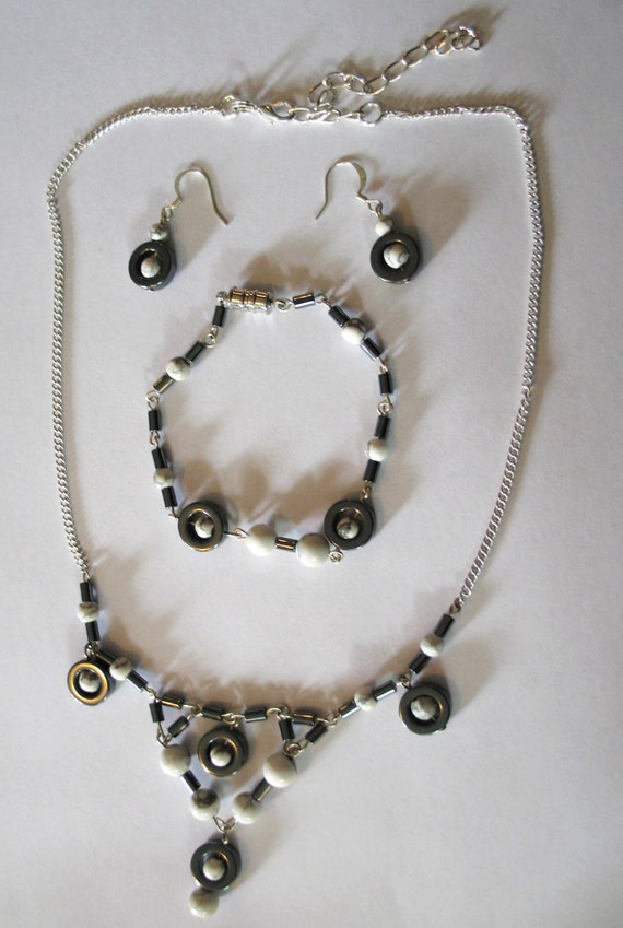 Hemalyke and Howlite necklace, bracelet, earring set