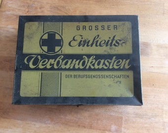 Old first aid kit of the Berufsgenossenschaft sheet