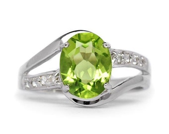 1.85ct. 9x7mm Natural Green Peridot With White Zircon 925 Sterling Silver Jewelry Ring Size 7