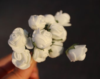 LaTeX white flowers, decorative flowers
