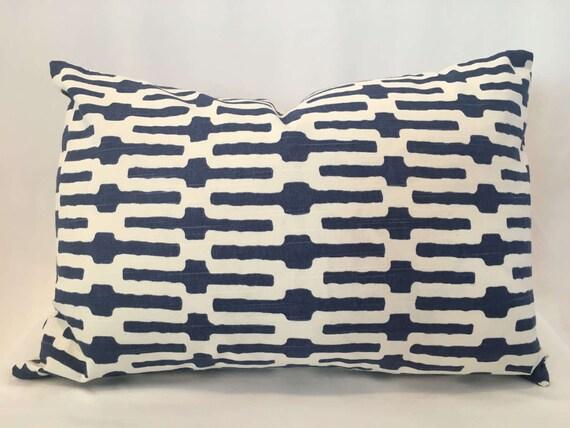 """14"""" x 22"""" Duralee Indigo and White Trellis, pattern 42084"""