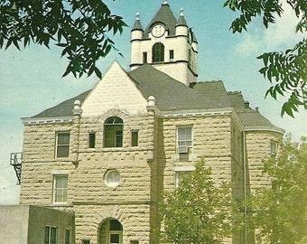 Vintage 1960s Postcard Brady Texas McCulloch County Courthouse Building Sandstone Architecture Photochrome Era Postally Unused
