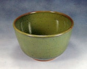 Small 6 Cup Green Ceramic Bowl Hand Thrown Stoneware Pottery Mixing Bowl 3