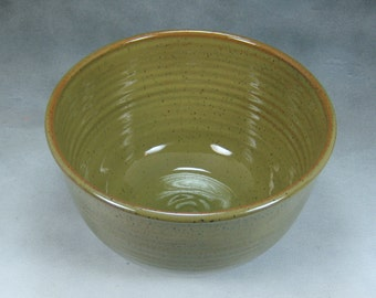 10 Cup Green Large Ceramic Serving Bowl Wheel Thrown Pottery Bowl 5