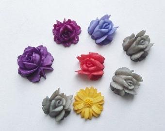 ON SALE Vintage bright flower cabochons