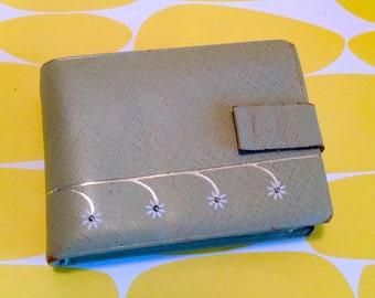 Bi-Fold Wallet with Change Purse - Vintage Lady Buxton 1960s 1970s