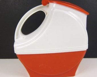 ON SALE Vintage Burrite Pitcher Red and White Plastic Hinged Lid Handle Retro Mid Century Burroughs Made in USA