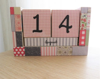 Wooden Block Perpetual Calendar - Country Quilting Squares