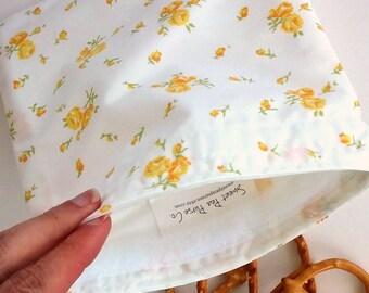 Reusable Snack Bag, Sandwich Bag made from Vintage Floral Cotton, Zero Waste, Summer floral, boho