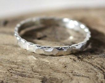 Hammered Scalloped Ring Size 8