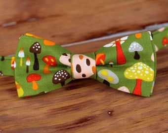 Boys Mushroom Bow Tie - Boy's green cotton toadstool bowtie - baby infant toddler child preteen boy bow tie - novelty bow tie - silly ties