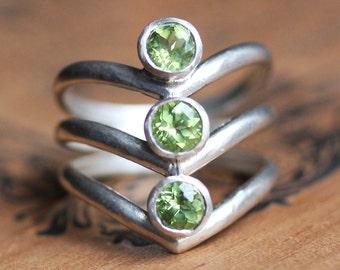 Peridot arrow ring, triplet ring, chevron ring, v ring, bezel ring, august birthstone ring, silver statement ring, arrow ready to ship