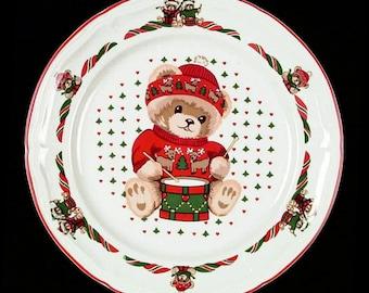 Tienshan Theodore Bear Christmas Dinner Plate
