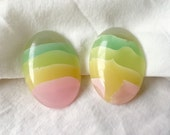 Vintage Plastic Lucite Oval Pastel Blue Green Yellow Pink Ombre Layered Stripe Clip On Earrings