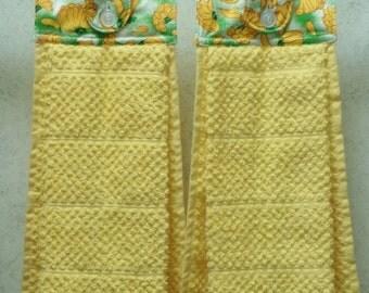 SET of 2 - Hanging Cloth Top Kitchen Hand Towels - BANANA Print, Larger YELLOW Towels