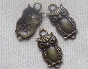 5 Antique Bronze tone Owl Connectors