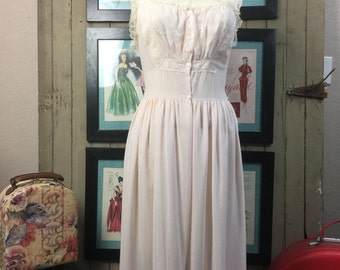 1950s peignoir set 50s pink nightie size medium Vintage lingerie Nightgown and robe