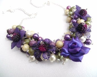 Purple Floral Beaded Necklace, Rose Flower, Necklace with Flowers, Chunky Pearl Necklace, Cluster Necklace, Pearl Bead Necklace, Pretty Gift