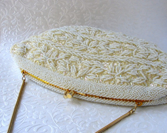 Ivory Wedding Purse Vintage Bridal Handbag La Regale Clutch Hand Beaded Sequin Formal Evening Bag Hand Made Hong Kong Gold Snake Chain Strap