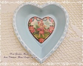 Aqua Heart Metal Dish, Hand Painted with Lacy Edge Glitter and Center Heart Graphic, ECS, CSSTeam