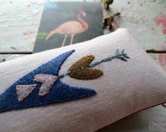 Linen arrow pincushion sewing accessory wool felt mini pillow hippie boho decor bookshelf knick knack hand sewn vintage motif geometric