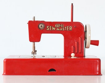 Vintage Sewing Machine - KAY AN EE Red Toy Sew Master Sewing Machine