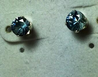 Aquamarine ear studs in silver