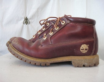 Vintage Women's Timberland Hiking Boots, Burgundy Leather, Size 8, Lug Soles, Ankle Cushion, Waterproof