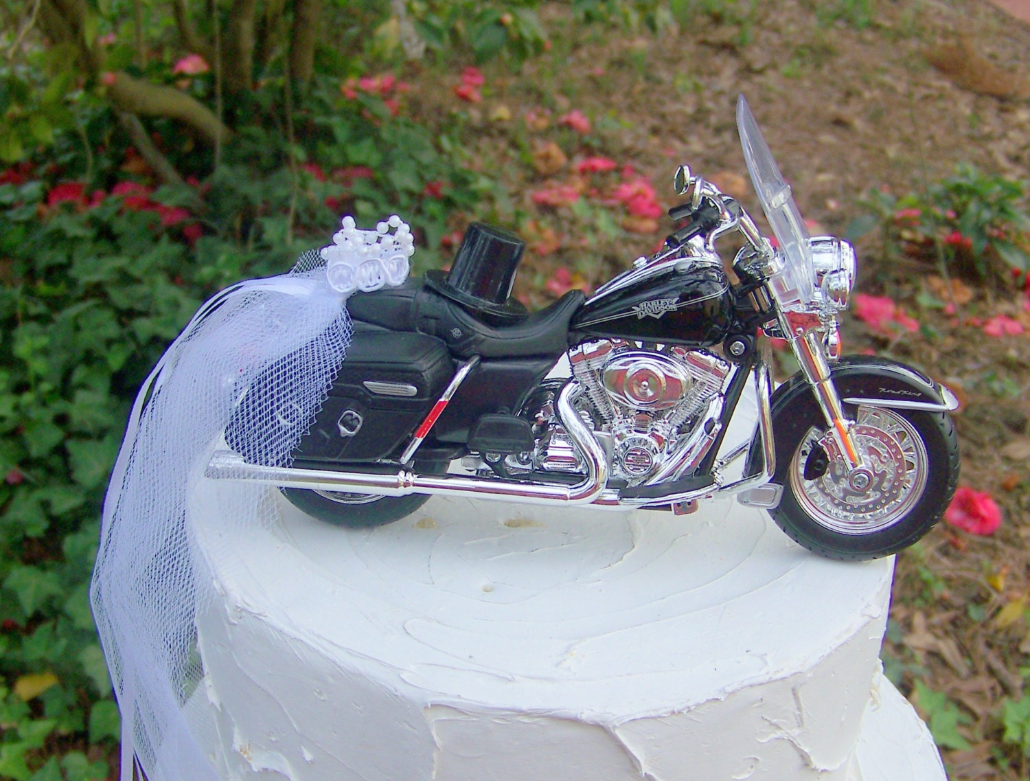 harley davidson road king wedding cake toppers motorcycle cake topper harley davidson 2013 road king 15070