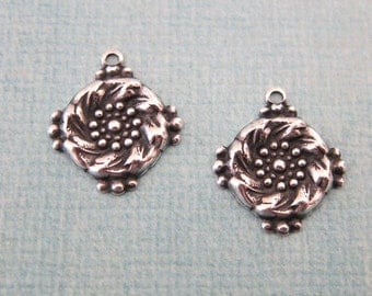 NEW 2 Silver Round Tapestry Charms 3771