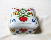 Vintage Takahashi Trinket Jewelry Box Hearts and Flowers 1980