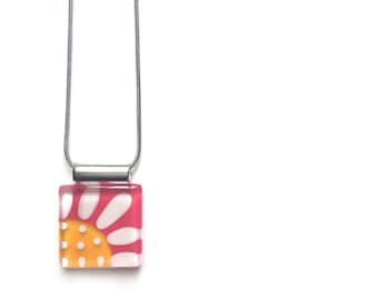Flower necklace | pink and yellow | daisy |  on stainless steel chain | handpainted glass by azurine