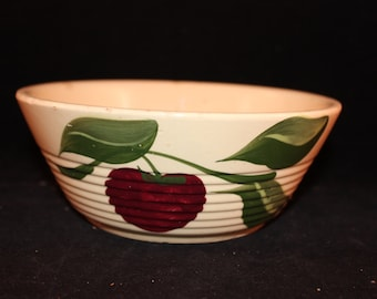 Vintage Ribbed Apple Pattern Watt Pottery Bowl
