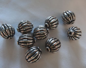 Four Beads of Silver Pewter Metal Round Pumpkin Shaped 12.75 to 13mm Long A9
