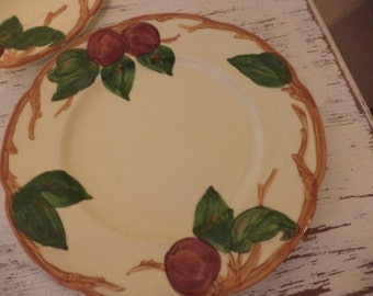 Vintage Franciscan apple dinnerware hand painted set of 6 large 8 inch bread and butter desert salad luncheon plates made in USA