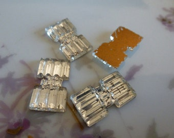 4 Vintage Clear DECO Grooved Cabs C39
