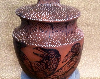 9 Raven Dreamtime Cook Pot Cookie Jar Mica NM Clay Ready to Ship