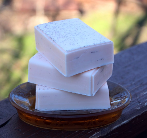 Georgia Peach Soap with Apricot Scrub - Handmade Shea Butter Soap // Gifts for Her